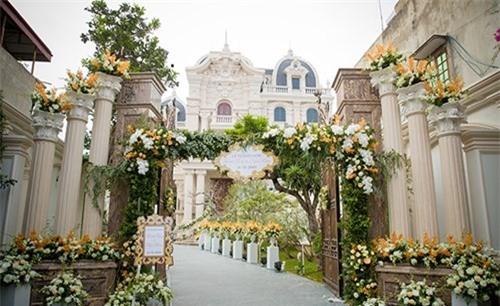 Đám cưới chi 1 tỷ tiền hoa của thiếu gia Nam Định