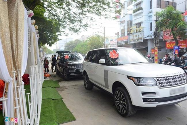 Dai gia tang Rolls-Royce Ghost cho Thu Ngan trong dam hoi hinh anh 1