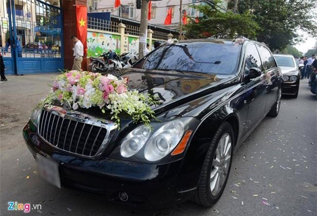 Dai gia tang Rolls-Royce Ghost cho Thu Ngan trong dam hoi hinh anh 12