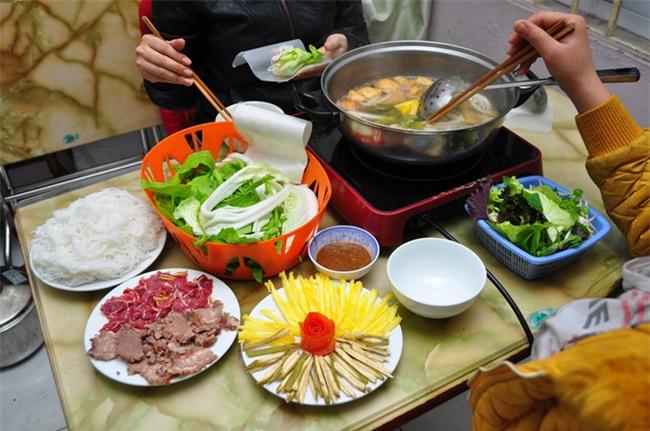 5 quán lẩu bò nhúng dấm ngon nức tiếng mà giá lại bình dân ở Hà Nội - Ảnh 13.