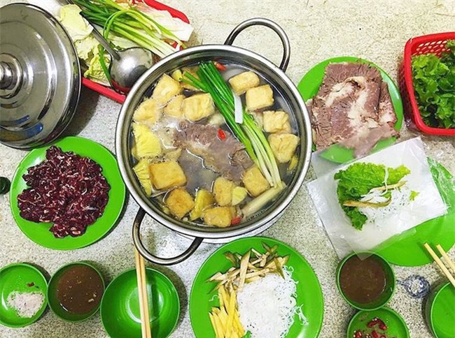5 quán lẩu bò nhúng dấm ngon nức tiếng mà giá lại bình dân ở Hà Nội - Ảnh 2.