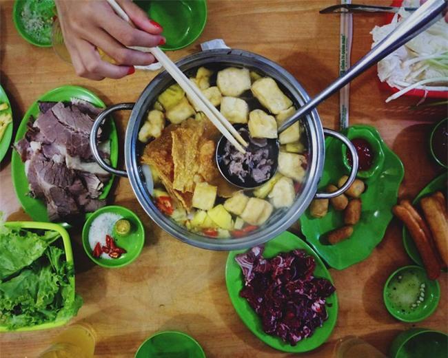 5 quán lẩu bò nhúng dấm ngon nức tiếng mà giá lại bình dân ở Hà Nội - Ảnh 3.