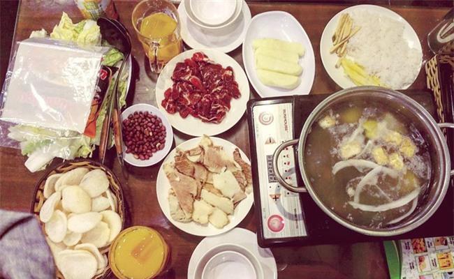 5 quán lẩu bò nhúng dấm ngon nức tiếng mà giá lại bình dân ở Hà Nội - Ảnh 4.