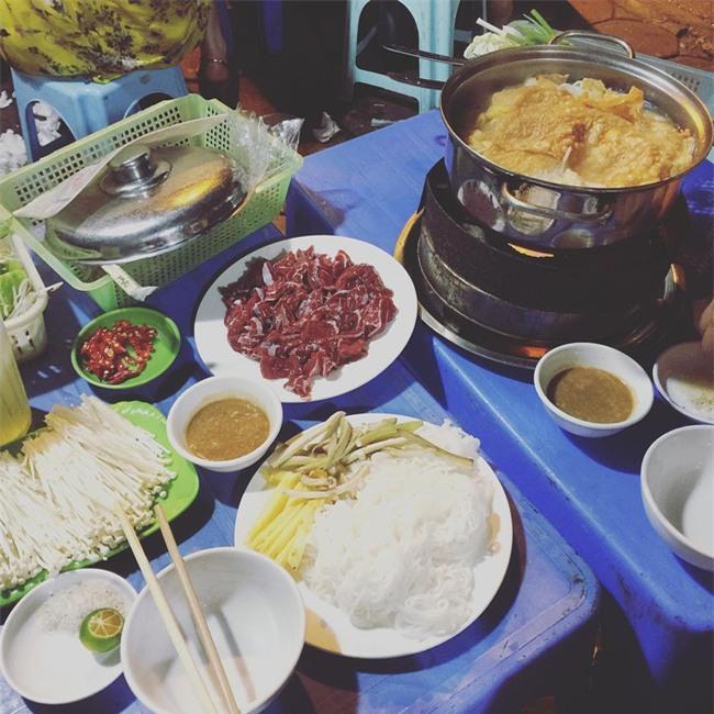5 quán lẩu bò nhúng dấm ngon nức tiếng mà giá lại bình dân ở Hà Nội - Ảnh 7.