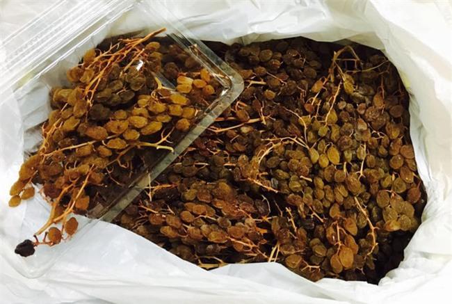 4 loại mứt, trái cây sấy nhập ngoại khiến chị em sốt xình xịch dịp Tết 2017 - Ảnh 2.