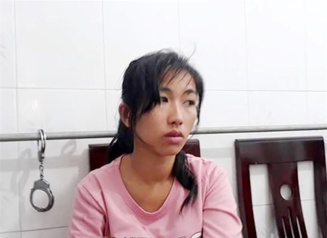 Nghi phạm Trần Thị Thanh Thúy tại cơ quan điều tra Công an huyện Kỳ Sơn.