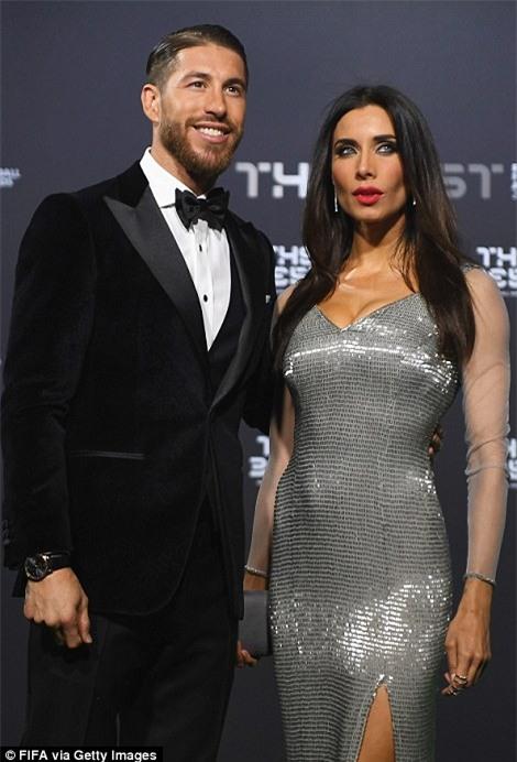 Bạn gái Ronaldo đánh bật nhan sắc sao Hollywood tại Gala FIFA - Ảnh 10.