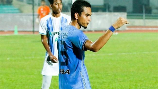 Mohd Faiz Subri, chang nong dan danh bai ca Messi, Neymar hinh anh 3