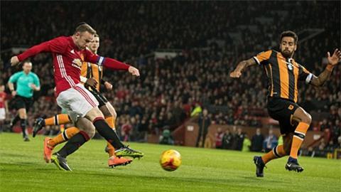 Đội trưởng của M.U tiếp tục bỏ lỡ cơ hội trở thành chân sút vĩ đại nhất lịch sử khi không thể ghi bàn ở đầu hiệp 2