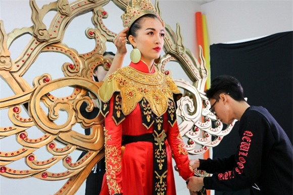 le-hang-vu-dieu-phung-hoang-4-ngoisao.vn-w1500-h1000 2