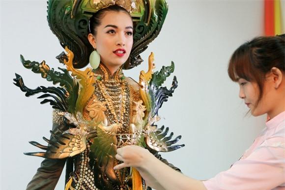 le-hang-phung-bao-hue-4-ngoisao.vn-w1500-h1000 5