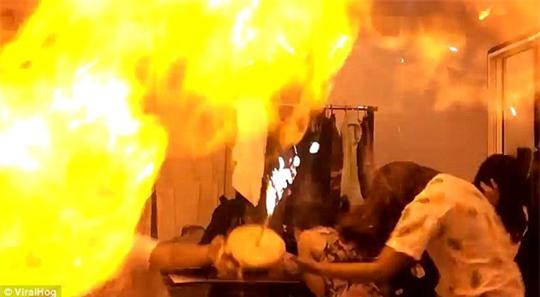 Không ngờ những đồ vật quen thuộc này lại trở thành bom hẹn giờ có thể phát nổ, gây cháy - Ảnh 8.