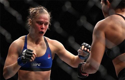 """""""Nữ hoàng UFC"""" tiều tụy, bóng gió giải nghệ - 3"""
