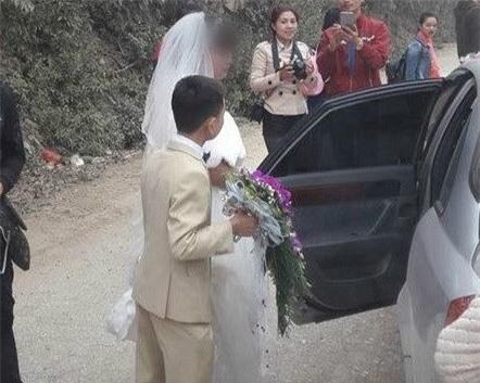 Đám cưới nàng Bạch Tuyết và chú lùn tại Bắc Ninh - Ảnh 1.