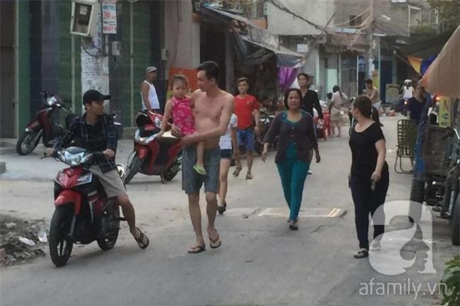Bình Tân, TP.HCM: Bé gái 3 tuổi nghi bị bắt cóc nói có ông già dẫn đi mua kẹo - Ảnh 1.