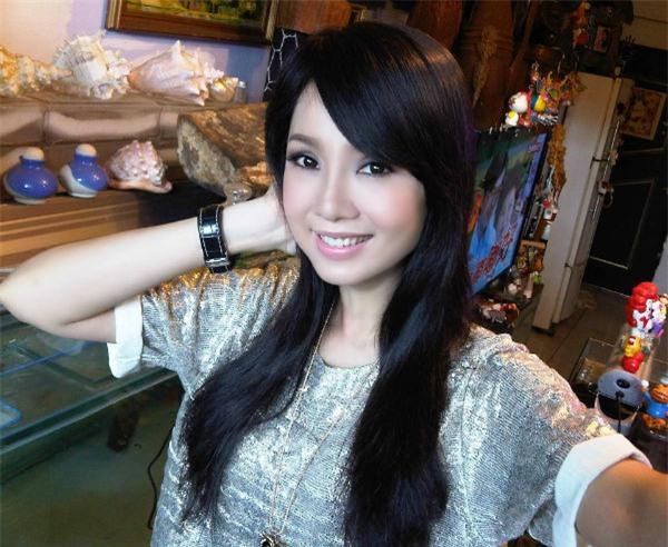 Chồng Helen Thanh Đào: Chấp nhận 18 năm bị gọi là anh trai, bán nhà nghỉ việc để gây dựng sự nghiệp ảo cho vợ - Ảnh 4.