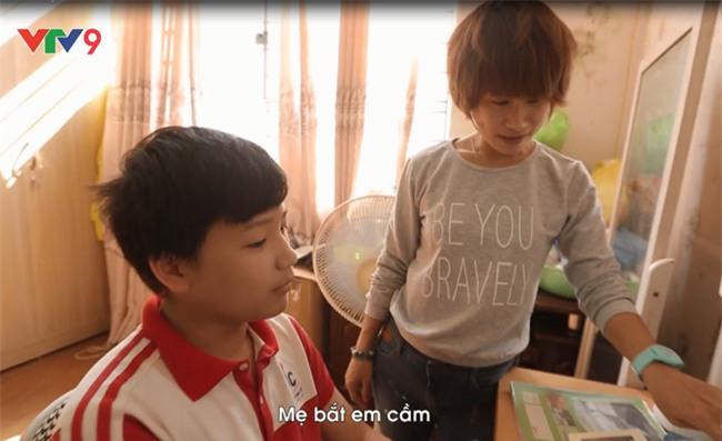 Clip: Lời xin lỗi của người mẹ đơn thân vì không thể cho con một cái Tết trọn vẹn bên cả bố và mẹ - Ảnh 3.