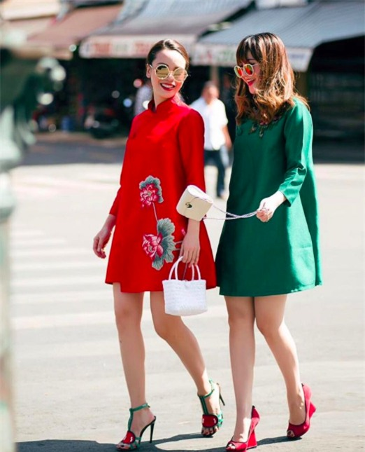 Ngọc Trinh bất ngờ kín đáo, Angela Phương Trinh đổi mốt mái ngố lạ lẫm trong street style tuần này - Ảnh 18.