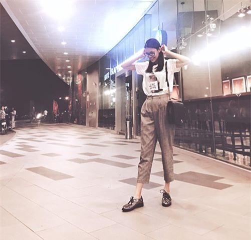 Ngọc Trinh bất ngờ kín đáo, Angela Phương Trinh đổi mốt mái ngố lạ lẫm trong street style tuần này - Ảnh 7.