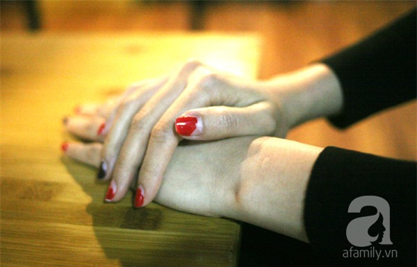 Bà mẹ 2 con xinh đẹp đau khổ lên Facebook tố bị nữ sinh trường ĐH nổi tiếng giật chồng - Ảnh 2.