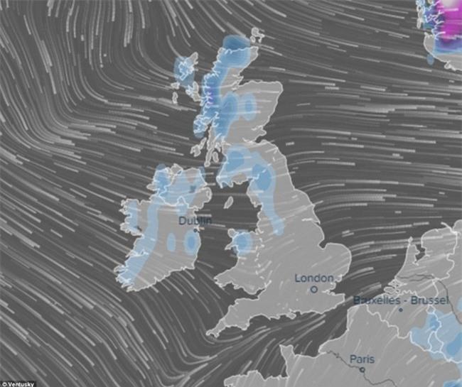Giao thông Anh thất thủ vì tuyết rơi kết hợp gió bão - Ảnh 6.