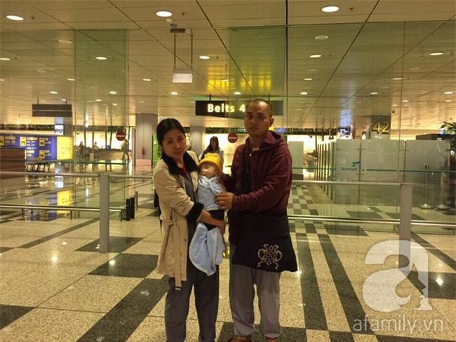 Lùm xùm vụ trục lợi tiền ủng hộ bé bị não úng thủy chữa trị tại Singapore, tình nguyện viên và sư thầy lên tiếng - Ảnh 11.