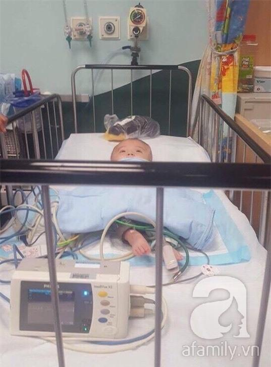 Lùm xùm vụ trục lợi tiền ủng hộ bé bị não úng thủy chữa trị tại Singapore, tình nguyện viên và sư thầy lên tiếng - Ảnh 17.