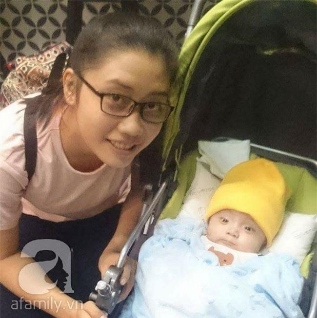 Lùm xùm vụ trục lợi tiền ủng hộ bé bị não úng thủy chữa trị tại Singapore, tình nguyện viên và sư thầy lên tiếng - Ảnh 7.