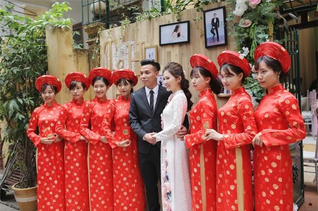 Chủ rể đứng trước cửa đọc lời hứa mới đón được hot girl Hà Thành về làm vợ - Ảnh 9.