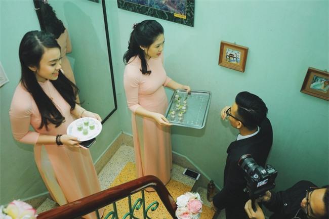 Chủ rể đứng trước cửa đọc lời hứa mới đón được hot girl Hà Thành về làm vợ - Ảnh 3.
