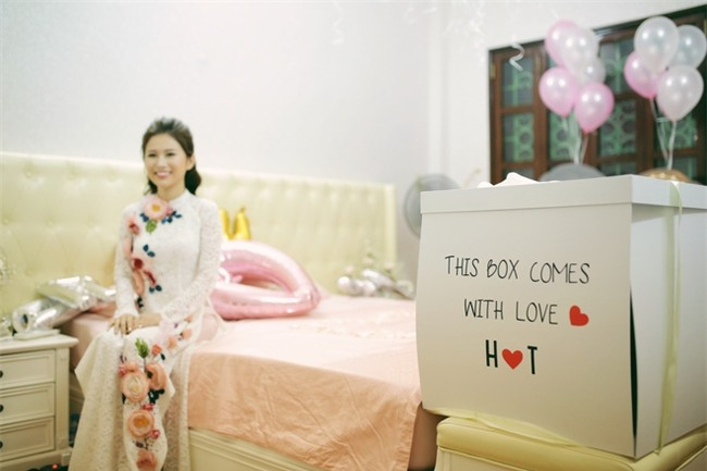 Chủ rể đứng trước cửa đọc lời hứa mới đón được hot girl Hà Thành về làm vợ - Ảnh 7.