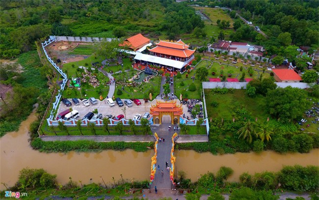 Nhà thờ Tổ của Hoài Linh mở cửa 3 ngày Tết Đinh Dậu - Ảnh 1.