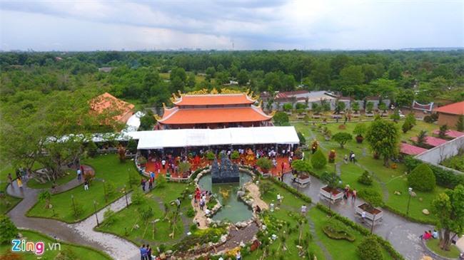 Nhà thờ Tổ của Hoài Linh mở cửa 3 ngày Tết Đinh Dậu - Ảnh 2.