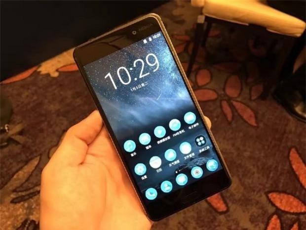 Nokia 6 nhan hon 250.000 don dat hang chi sau 24 gio hinh anh 1