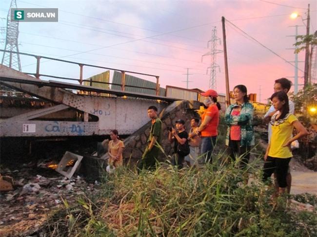 Hốt hoảng phát hiện thi thể người đàn ông trôi trên sông Sài Gòn - Ảnh 1.