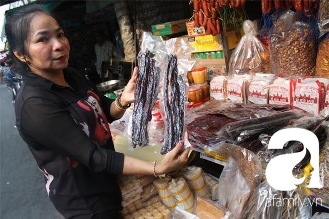 """""""Vũ nữ chân dài"""" đặc sản Biển Hồ được săn hàng dự trữ cho Tết ở Sài Gòn - Ảnh 2."""