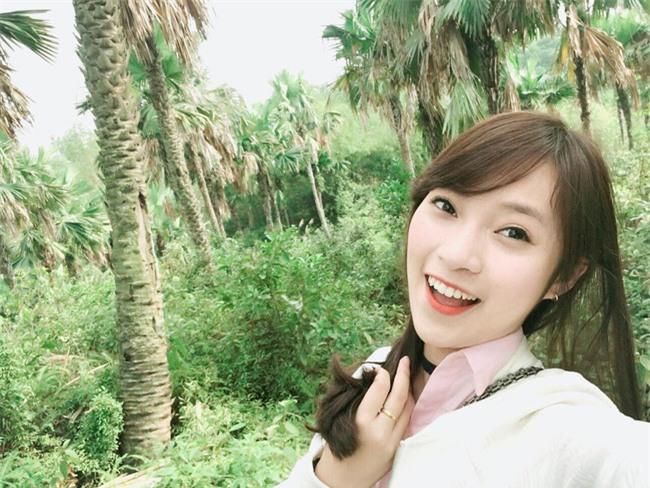 Chưa tròn 18 tuổi, cô nàng bắn 7 thứ tiếng Khánh Vy đã trở thành MC dẫn bản tin thời sự quốc tế - Ảnh 5.