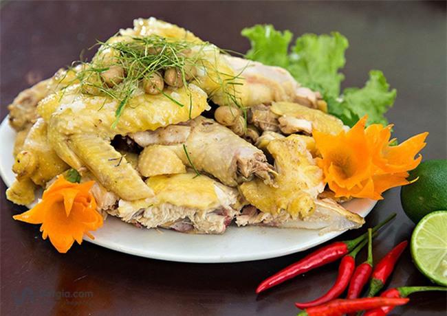 Năm Đinh Đậu, điểm danh 6 món gà đã ăn thử một lần là nghiện từ Bắc chí Nam - Ảnh 1.