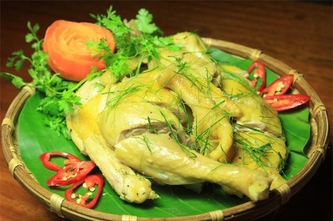 Năm Đinh Đậu, điểm danh 6 món gà đã ăn thử một lần là nghiện từ Bắc chí Nam - Ảnh 2.
