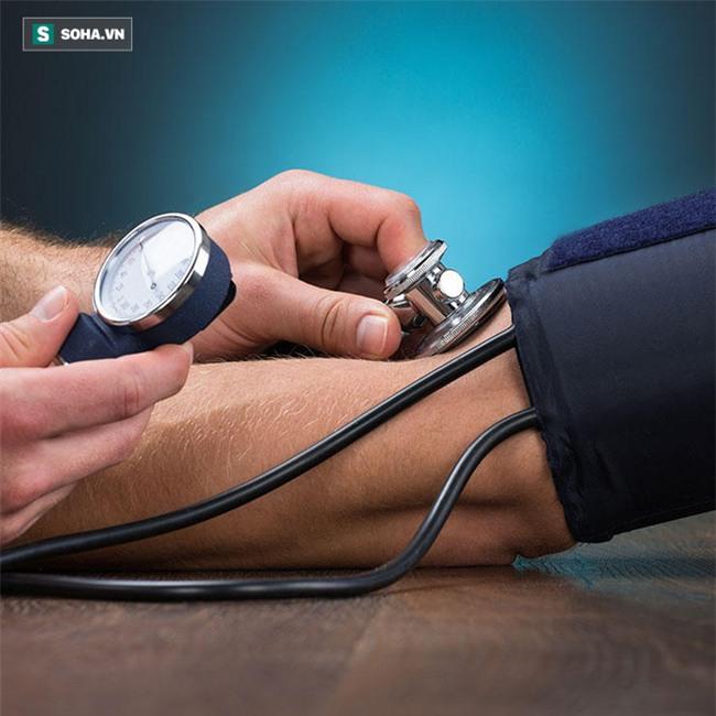 6 dấu hiệu cảnh báo thận đang gặp nguy hiểm: Phát hiện sớm để ngừa suy thận - Ảnh 2.
