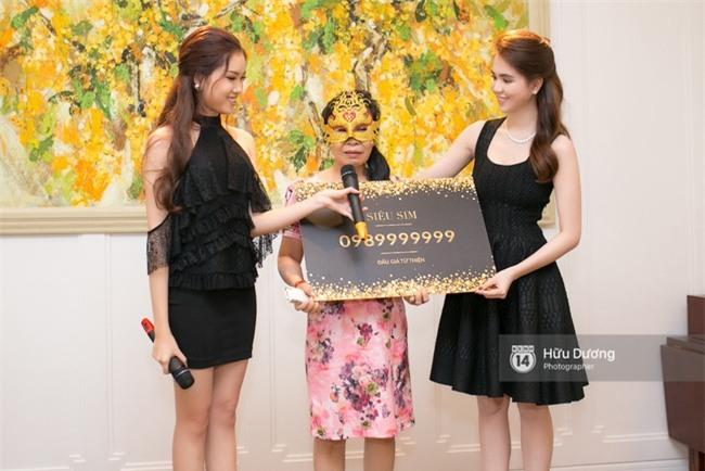 Nữ đại trong buổi đấu giá sim của Ngọc Trinh bị cho rằng từng chụp ảnh thân thiết bên tỷ phú Hoàng Kiều - Ảnh 2.