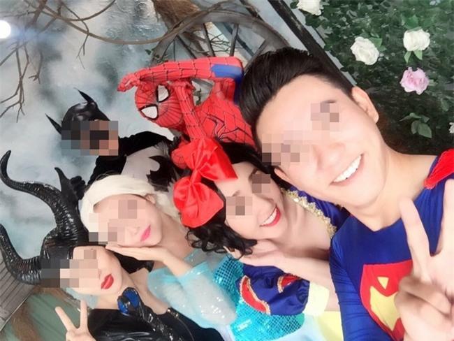 Lộ ảnh Lê Kiều Như chụp cùng diễn viên Spiderman Elsa, nhận là do nhà mình sản xuất, rủ các mẹ cho con xem - Ảnh 4.