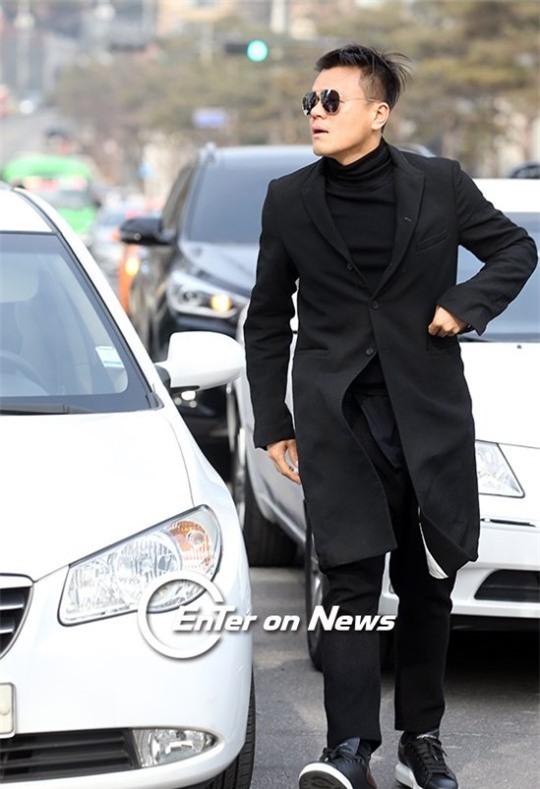 HOT: Ơn giời, nữ hoàng sắc đẹp Kim Tae Hee đã xuất hiện với váy ngắn trong đám cưới cực bí mật - Ảnh 18.