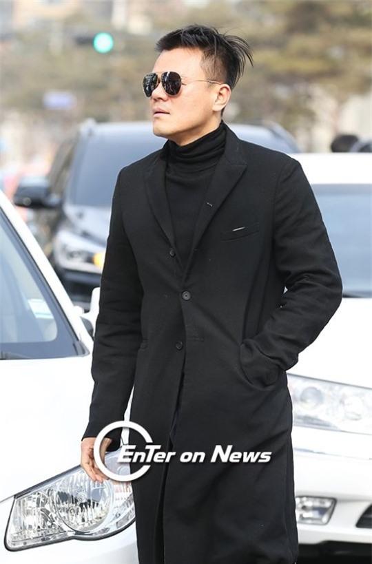 HOT: Ơn giời, nữ hoàng sắc đẹp Kim Tae Hee đã xuất hiện với váy ngắn trong đám cưới cực bí mật - Ảnh 19.