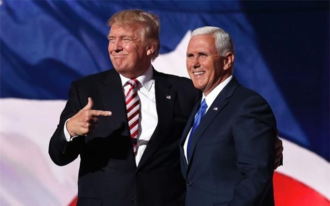 Le nham chuc 20/1: 'Mot ngay rat rat hoanh trang' cua Trump hinh anh 1