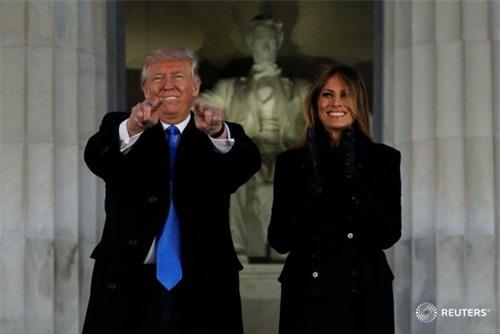 Donald Trump nghe hòa nhạc, chuẩn bị nhậm chức