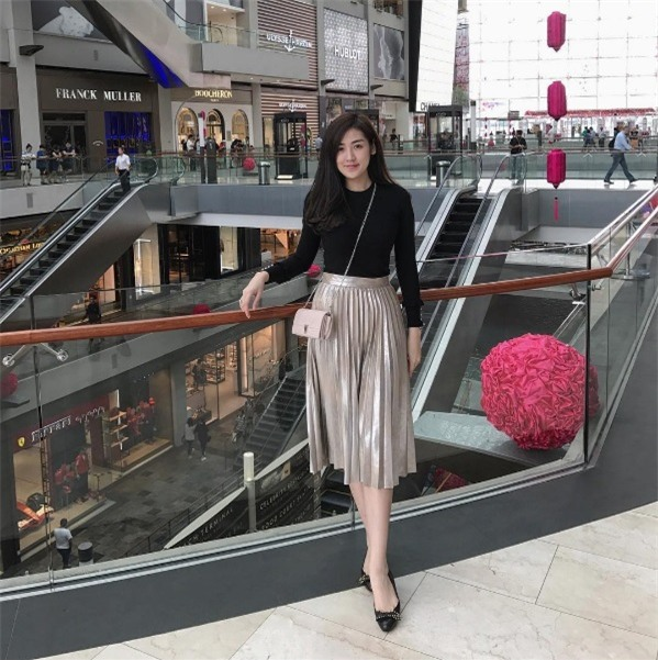 Ho Ngoc Ha, Thanh Hang, Huyen My chi tien khung de sam do hieu choi Tet