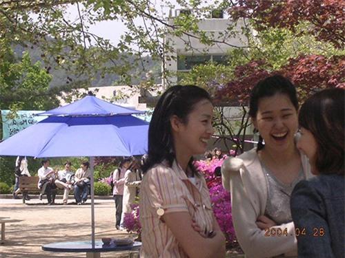 "kim tae hee lien tuc bi cu dan mang ""dao mo"" anh qua khu sau ngay cuoi - 9"
