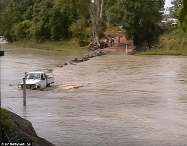Lội qua sông cùng 2 phụ nữ, người đàn ông bị cá sấu đoạt mạng - Ảnh 3.