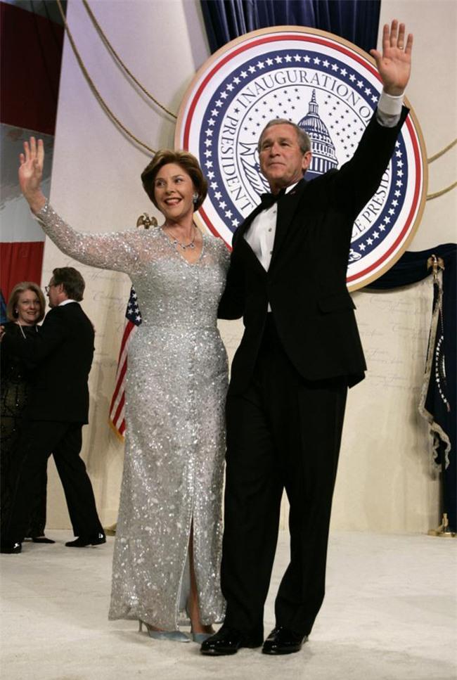 Trong lễ nhậm chức, bà Trump đã xào ngay phong cách thời trang của hai cựu Đệ nhất phu nhân! - Ảnh 8.